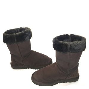 🌟Brown Ugg Australia Suede with Gray Fur size 8🌟
